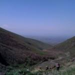 Blick ins Tal vom Fuße des Ara Bergs