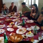 David + Frau, Nerses, Armine beim Essen