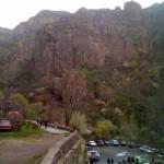 Für die Kletterer - die Felswand gegenüber von Geghard