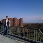 Festung Amberd mit dem Ararat im Hintergrund