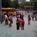 evakuierte be2ler sammeln sich auf der Straße